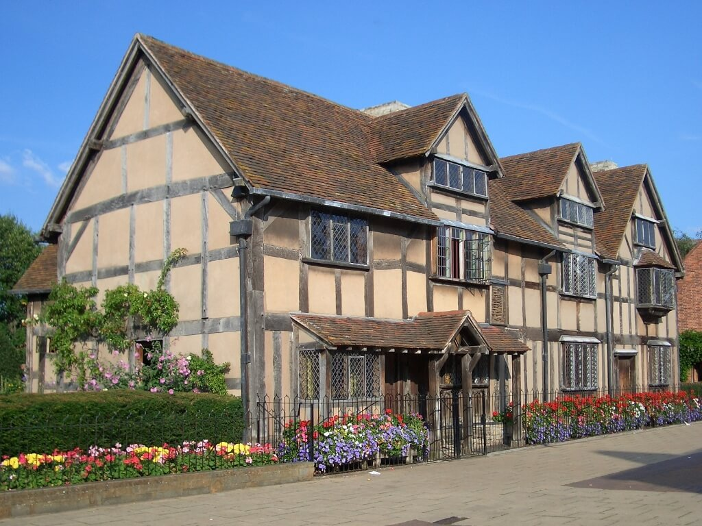 A view of Shakespeare's Birthplace in Stratfor upon Avon